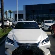 2019-lexus-es-300-h-auto-broker-consultant-camarillo-ca-white-on-display-prepare-for-delivery